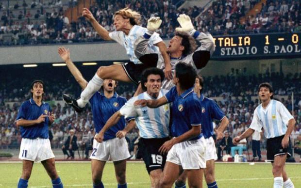 Zenga_Caniggia_Ferri_-_Italia_Argentina_1990
