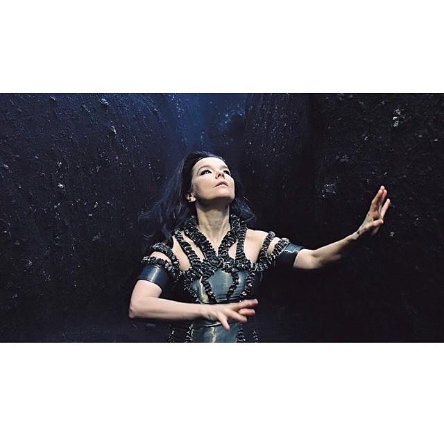 New #Björk video for #BlackLake is absolutely #stunning! 🏼
