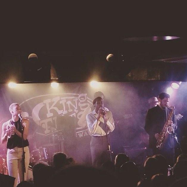 #LeonBridges was #outstanding in #kingtuts last night. 🏼 #regram via @justinestrummer