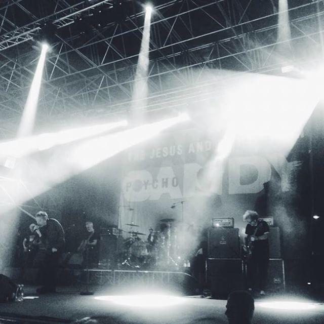 #thejesusandmarychain live at #ferrarasottolestelle last night! 🏼