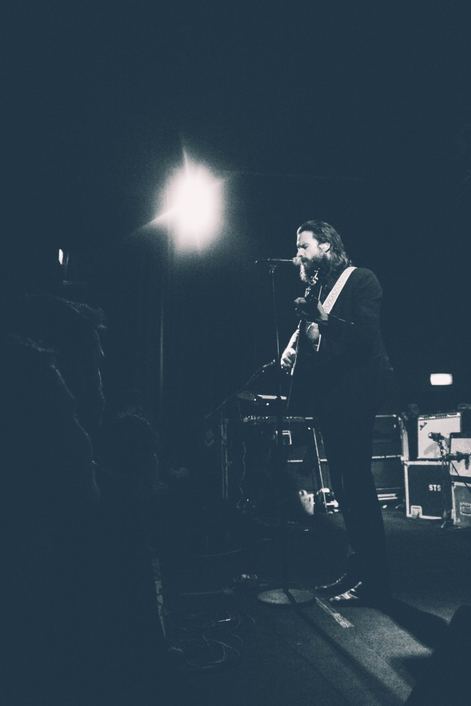 Father-John-Misty-Locomotiv-17