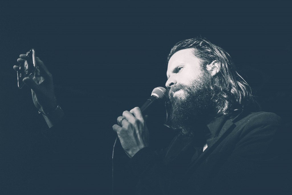 Father-John-Misty-Locomotiv-9