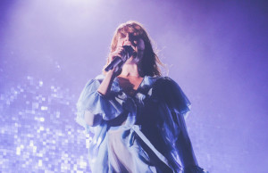 Florence-The-Machine-Bologna12