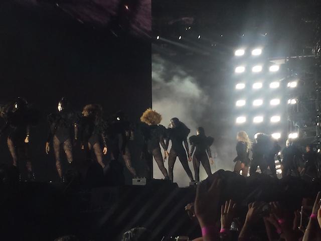 Beyoncé-Milano-2016-5