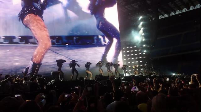 Beyoncé-Milano-2016-9