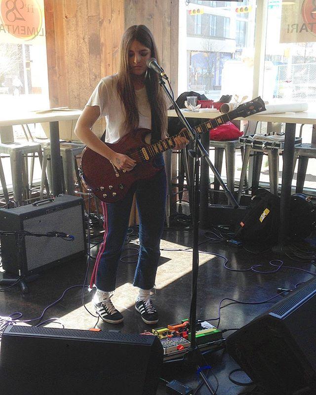 Lei la conosciamo bene, @giunglamusic  #sxsw17 #sxsw #giungla #music #festival #newmusic #austin #texas #guitar