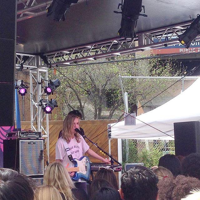 La nostra ultima giornata di #sxsw inizia con The Japanise House. Livello di malinconia perfetto per iniziare a salutare Austin  #sxsw17 #music #festival #thejapanisehouse #texas #austin @thejapanesehouse