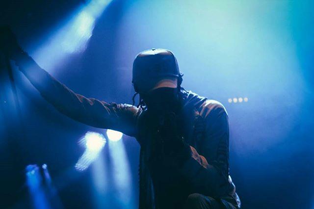 WAY OUT WEST Day 1 highlights: YOUNG THUG Pic by @chiaraviolenta @thuggerthugger1 #kalporz #live #livemusic #music#instamusic #vsco #vscocam #vscophile#vscomusic #vscogood #lights #contrast#musicphotography #portrait #musicportrait#squaready #instadaily #göteborg #wayoutwest #wowgbg #sweden #sverige #slottsskogen #youngthug