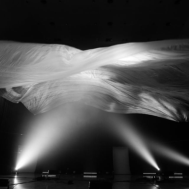 The @quiet_ensemble hypnotic mega cloud at @robotfestival