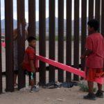 Teetertotter Wall, altalene resistenziali contro il muro tra Stati Uniti e Messico