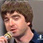 [#tbt] Noel Gallagher su Italia Uno nel 1997, tra Elio e i Fichi D'India