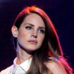 """È uscito """"Chemtrails Over the Country Club"""", il nuovo album di Lana Del Rey"""